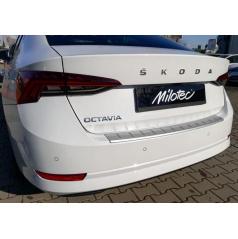 Škoda Octavia 4 2020+ Práh pátých dveří s výstupky stříbrný