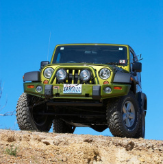 Jeep Wrangler 2007+ Přední pevnostní pracovní nárazník  ARB DELUXE