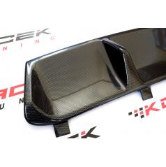 Škoda Superb III - zadní středový difuzor zadního nárazníku z ABS plastu - carbon look